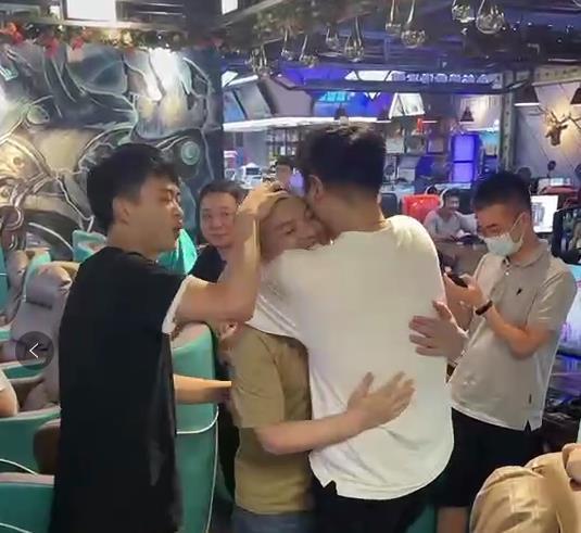 为梦想拼搏  《街头篮球》SFSA重庆冠军三炮专访